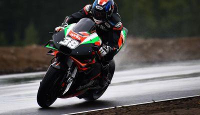 MotoGP 2019: Bradley Smith e l'Aprilia al top nella due giorni di test sul KymiRing