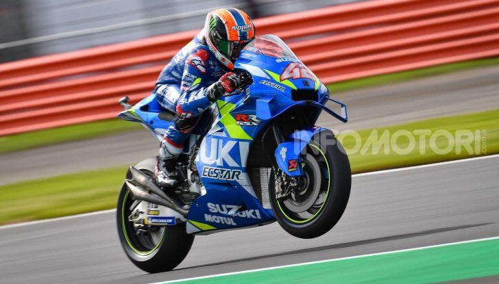 MotoGP 2019, GP di Gran Bretagna: Rins vince a Silverstone una gara al fotofinish, Dovizioso a terra - Foto 3 di 19