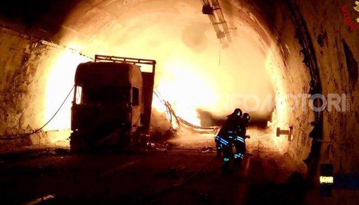 Traforo del Gran Sasso chiuso per lavori dal 30 settembre al 4 ottobre - Foto 12 di 13