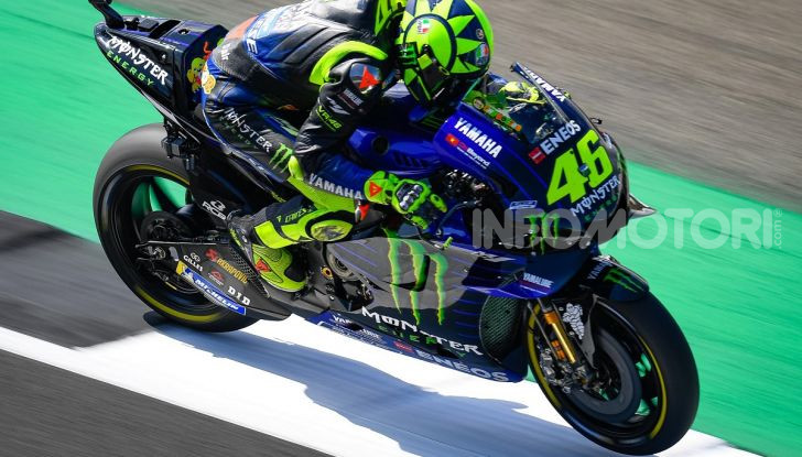 MotoGP 2019, GP di Gran Bretagna: Rins vince a Silverstone una gara al fotofinish, Dovizioso a terra - Foto 16 di 19