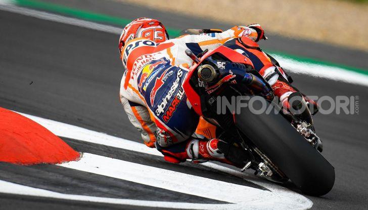 MotoGP 2019, GP di Gran Bretagna: acuto di Marquez nelle libere di Silverstone, poi Vinales. Dovizioso quarto, Rossi 17esimo - Foto 9 di 19