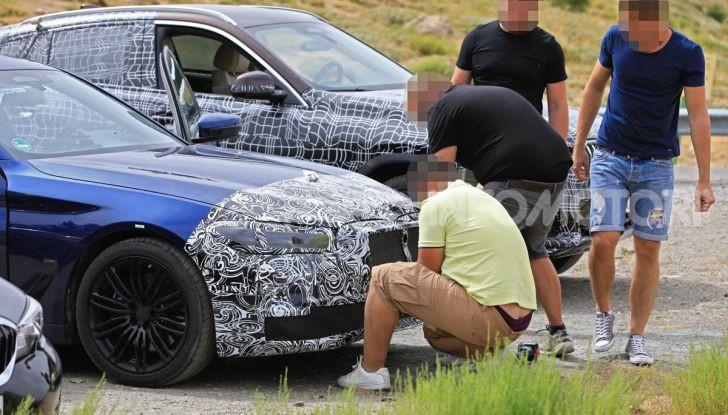 BMW Serie 5 2020 facelift: cambiano l'estetica e la tecnologia - Foto 14 di 15