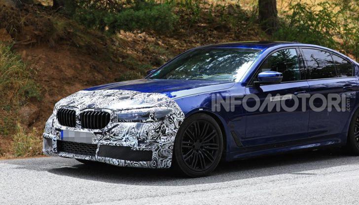 BMW Serie 5 2020 facelift: cambiano l'estetica e la tecnologia - Foto 7 di 15