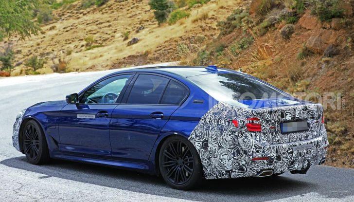 BMW Serie 5 2020 facelift: cambiano l'estetica e la tecnologia - Foto 8 di 15