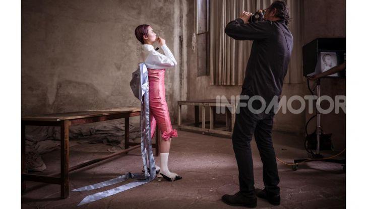 Calendario Pirelli 2020: Looking for Juliet con Emma Watson - Foto 2 di 23