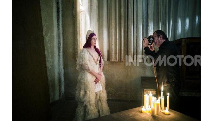 Calendario Pirelli 2020: Looking for Juliet con Emma Watson - Foto 5 di 23
