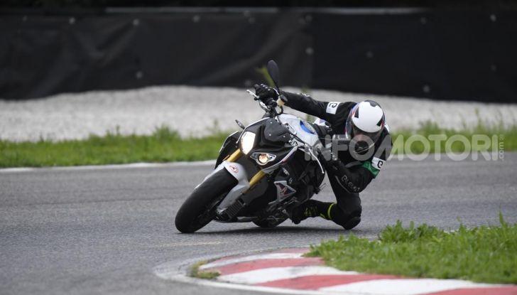 DimensioneGuida: i corsi di guida moto in pista tra divertimento e sicurezza - Foto 1 di 54