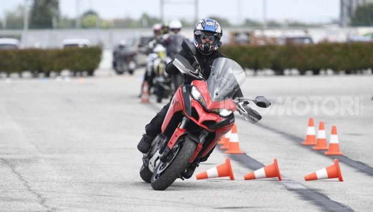 DimensioneGuida: i corsi di guida moto in pista tra divertimento e sicurezza - Foto 24 di 54
