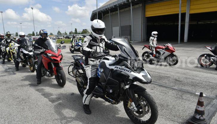 DimensioneGuida: i corsi di guida moto in pista tra divertimento e sicurezza - Foto 40 di 54