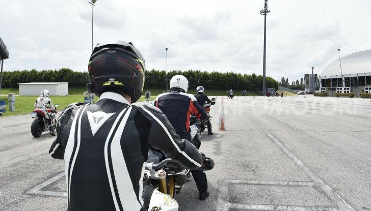 DimensioneGuida: i corsi di guida moto in pista tra divertimento e sicurezza - Foto 41 di 54