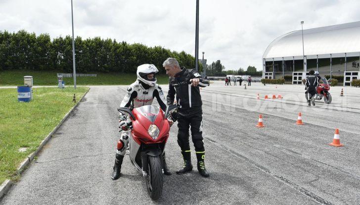 DimensioneGuida: i corsi di guida moto in pista tra divertimento e sicurezza - Foto 43 di 54
