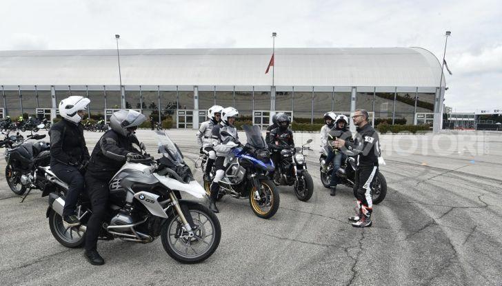 DimensioneGuida: i corsi di guida moto in pista tra divertimento e sicurezza - Foto 44 di 54