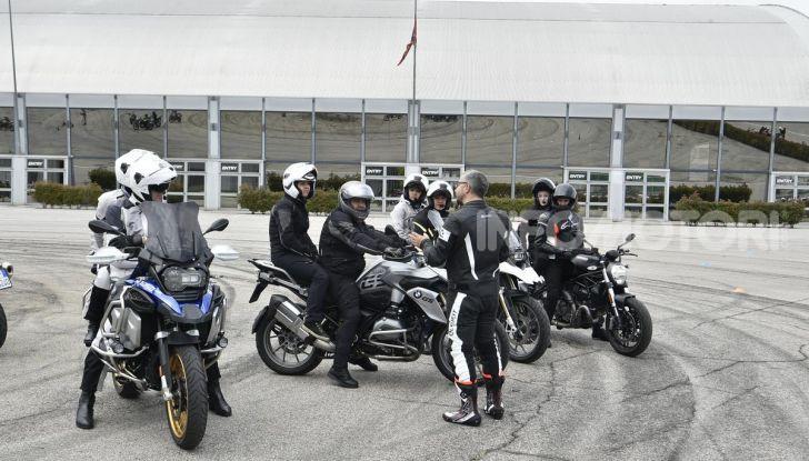 DimensioneGuida: i corsi di guida moto in pista tra divertimento e sicurezza - Foto 45 di 54