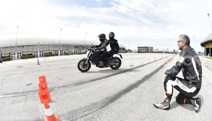 DimensioneGuida: i corsi di guida moto in pista tra divertimento e sicurezza - Foto 49 di 54