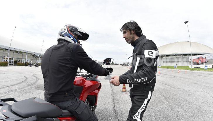 DimensioneGuida: i corsi di guida moto in pista tra divertimento e sicurezza - Foto 50 di 54