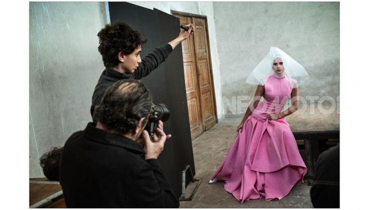 Calendario Pirelli 2020: Looking for Juliet con Emma Watson - Foto 1 di 23