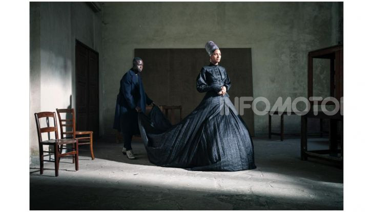 Calendario Pirelli 2020: Looking for Juliet con Emma Watson - Foto 9 di 23