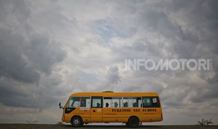 Kia Motors consegna minibus e scuola al governo della Tanzania - Foto 4 di 5