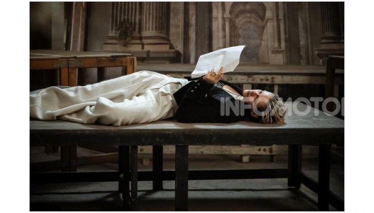 Calendario Pirelli 2020: Looking for Juliet con Emma Watson - Foto 13 di 23