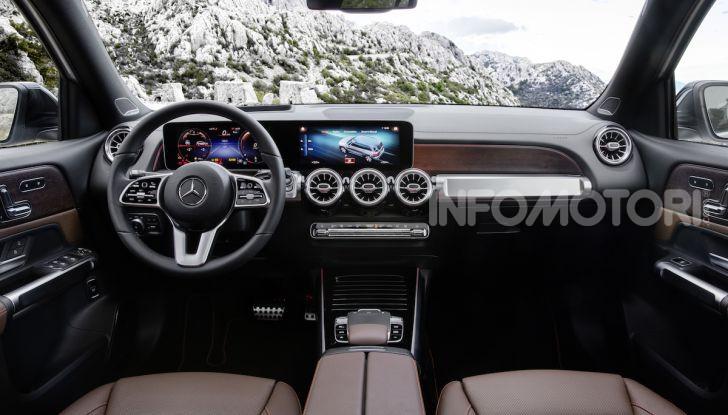 Nuovo Mercedes GLB: prezzi e motori del SUV 7 posti - Foto 10 di 16