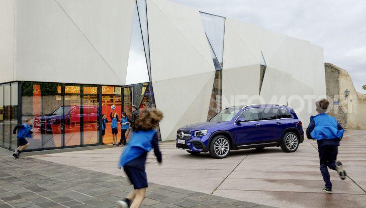 Nuovo Mercedes GLB: prezzi e motori del SUV 7 posti - Foto 16 di 16