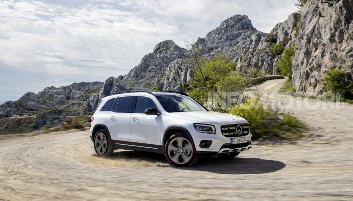 Nuovo Mercedes GLB: prezzi e motori del SUV 7 posti - Foto 4 di 16