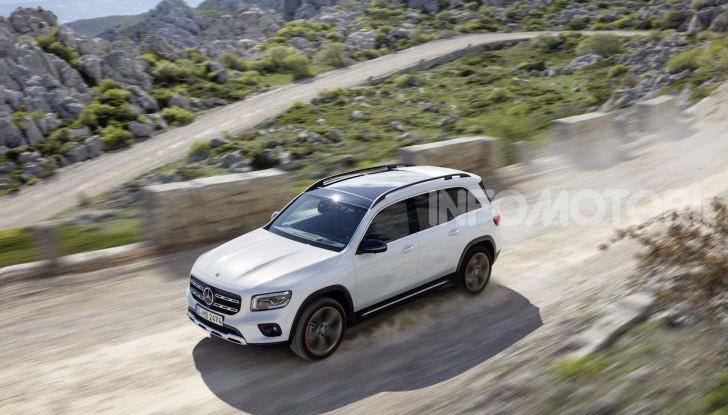 Nuovo Mercedes GLB: prezzi e motori del SUV 7 posti - Foto 5 di 16