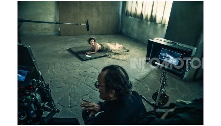 Calendario Pirelli 2020: Looking for Juliet con Emma Watson - Foto 15 di 23