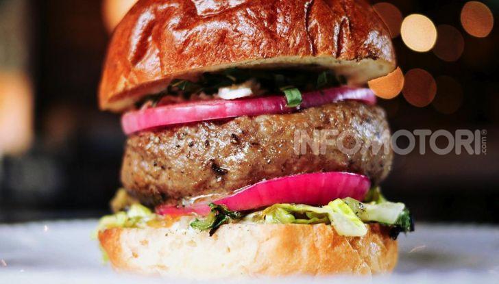 Neat Burger, la catena di fast food vegano con Lewis Hamilton - Foto 17 di 18