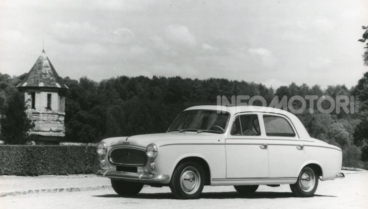 PEUGEOT 403 Diesel – la prima volta  del GASOLIO sotto il cofano della berlina di grande serie - Foto 1 di 8