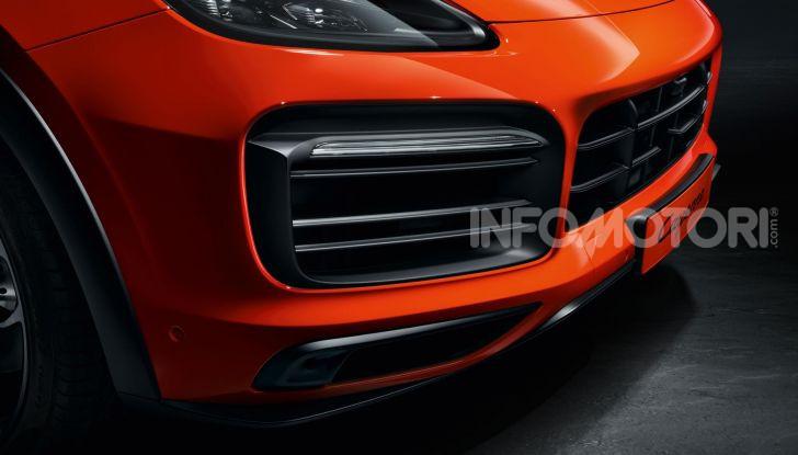 Porsche Cayenne Turbo S E-Hybrid: dati tecnici, prezzi e consumi - Foto 9 di 13
