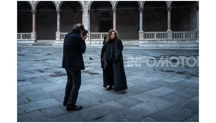 Calendario Pirelli 2020: Looking for Juliet con Emma Watson - Foto 20 di 23