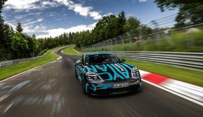 Porsche Taycan, record al Nurburgring per l'auto elettrica