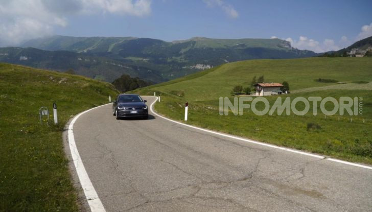 [VIDEO] Prova Volkswagen Golf TGI: La Strada in Streaming! - Foto 14 di 33