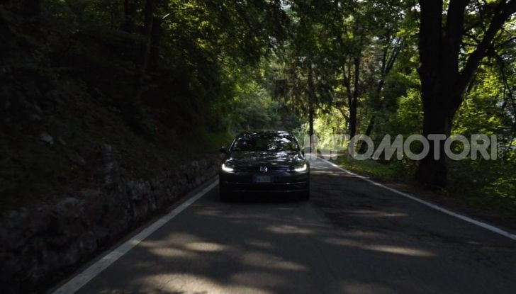 [VIDEO] Prova Volkswagen Golf TGI: La Strada in Streaming! - Foto 15 di 33