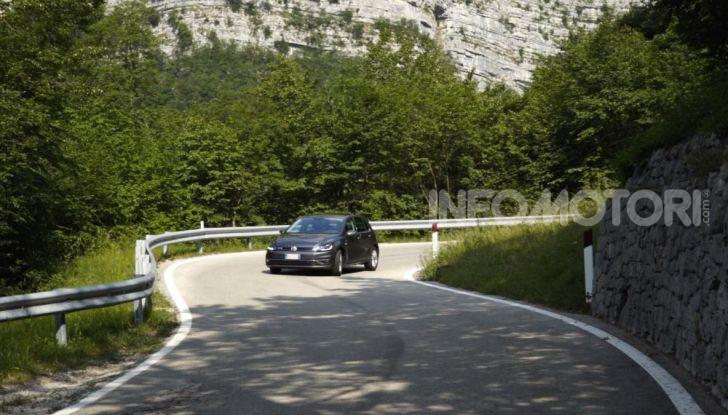 [VIDEO] Prova Volkswagen Golf TGI: La Strada in Streaming! - Foto 11 di 33