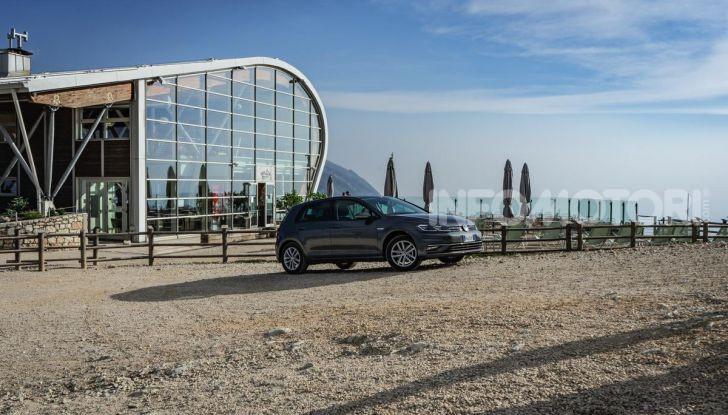 [VIDEO] Prova Volkswagen Golf TGI: La Strada in Streaming! - Foto 10 di 33