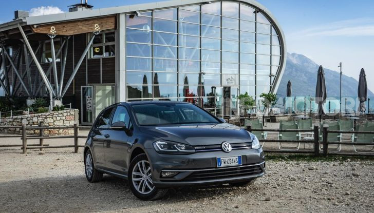 [VIDEO] Prova Volkswagen Golf TGI: La Strada in Streaming! - Foto 1 di 33