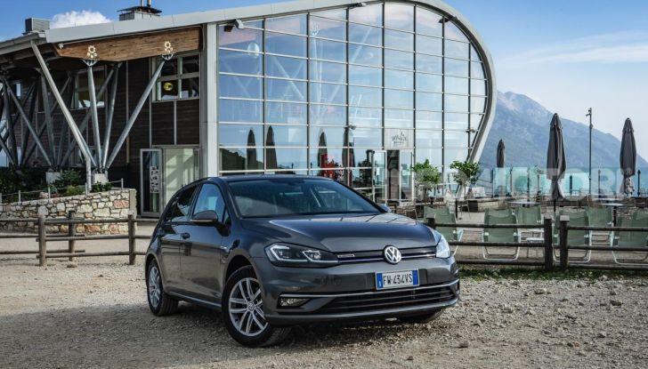 [VIDEO] Prova Volkswagen Golf TGI: La Strada in Streaming! - Foto 1 di 33