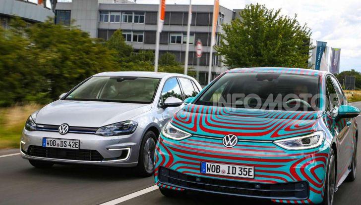 Il nuovo logo Volkswagen per il 2020 al Salone di Francoforte - Foto 1 di 6