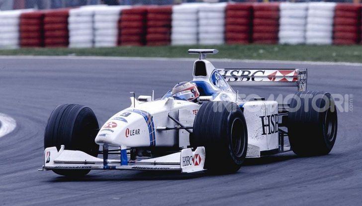 F1: i piloti più famosi licenziati a stagione in corso - Foto 11 di 16