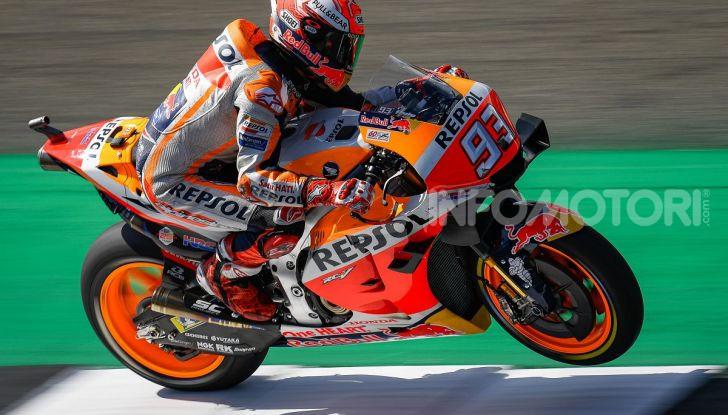 MotoGP 2019, GP di Gran Bretagna: Marquez suona la carica e centra la pole davanti a Rossi e Miller, Dovizioso settimo - Foto 5 di 19