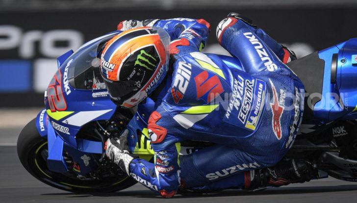 MotoGP 2019, GP di Gran Bretagna: Rins vince a Silverstone una gara al fotofinish, Dovizioso a terra - Foto 1 di 19