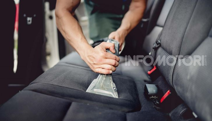 Pulizia degli interni dell'auto: tutto quello che bisogna sapere - Foto 4 di 10