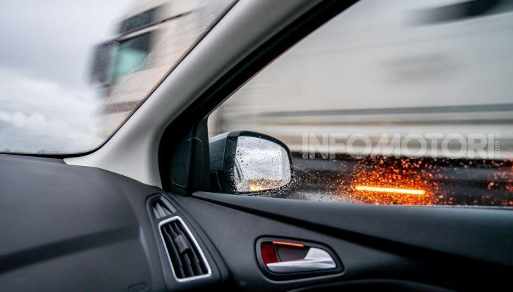 Sorpasso a destra in città e in autostrada: quando è possibile? - Foto 10 di 10