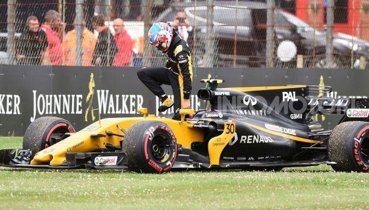 F1: i piloti più famosi licenziati a stagione in corso - Foto 3 di 16