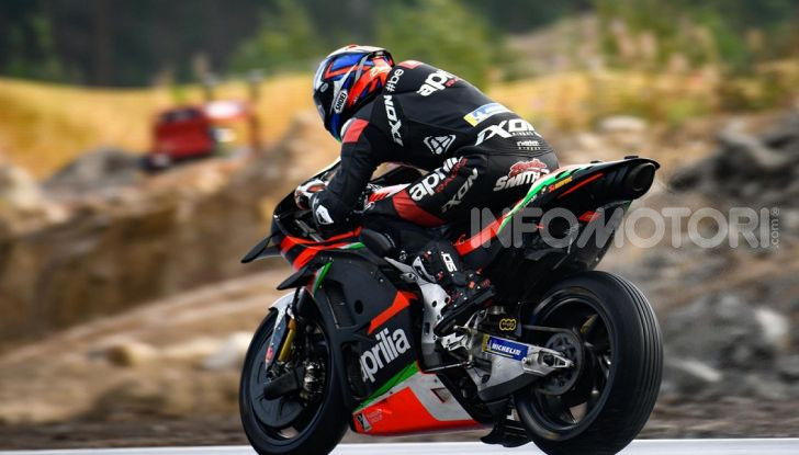 MotoGP 2019: Bradley Smith e l'Aprilia al top nella due giorni di test sul KymiRing - Foto 3 di 11
