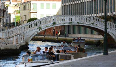 Venezia, in alcuni canali targhe alterne e sensi unici