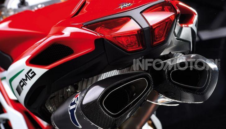 Scarico moto aftermarket: basta che sia omologato per essere in regola? - Foto 4 di 11