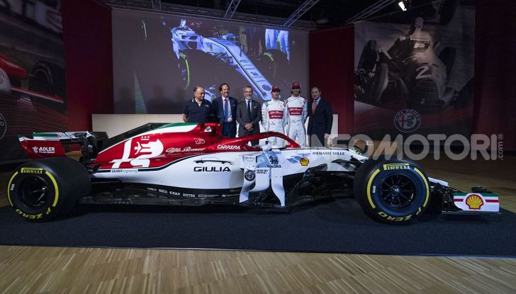 Alfa Romeo Giulia e Stelvio 2020, nuovo spot TV con Kimi Räikkönen - Foto 16 di 18